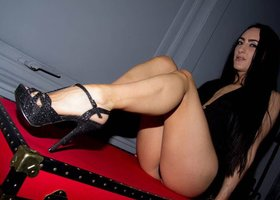 Mistress Chloe Lovette